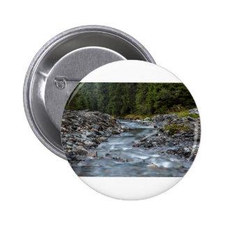 to rivet pinback button