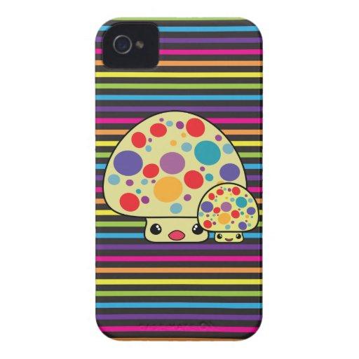 Toadstools manchados lindos coloridos de la seta Case-Mate iPhone 4 cobertura