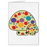 Toadstools manchados lindos coloridos de la seta d felicitaciones
