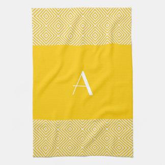 Toalla de cocina amarilla de oro con el monograma