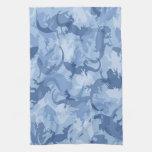 Toalla de cocina azul del camuflaje del reptil