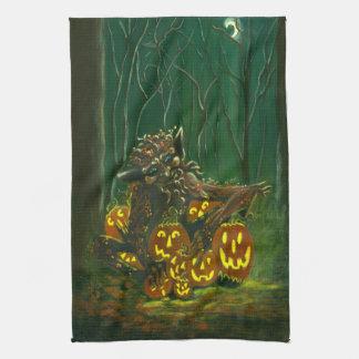 """Toalla de cocina de la criatura de Halloween """"el c"""