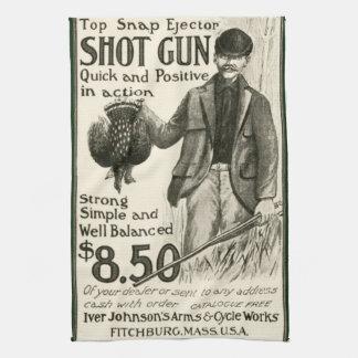 Toalla de cocina de la escopeta de Iver Johnson de