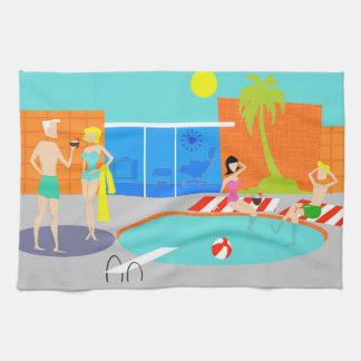 Toalla de cocina retra de la fiesta en la piscina