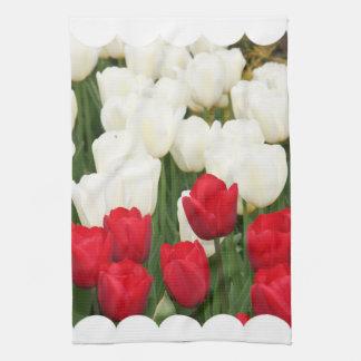 Toalla de cocina roja y blanca de los tulipanes