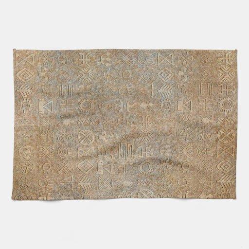 Toalla de plato tribal de los Hieroglyphics