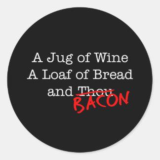 Tocino un jarro de vino etiqueta redonda