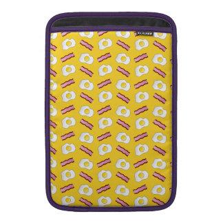 Tocino y huevos amarillos funda macbook air