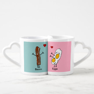 Tocino y huevos en sistema de la taza del amante d tazas para parejas