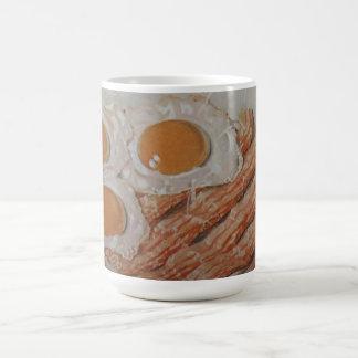 Tocino y huevos taza