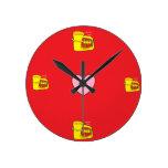 Toda la hora es tiempo de la tuba reloj