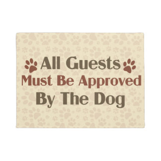 Todas las huéspedes aprobadas por el perro felpudo