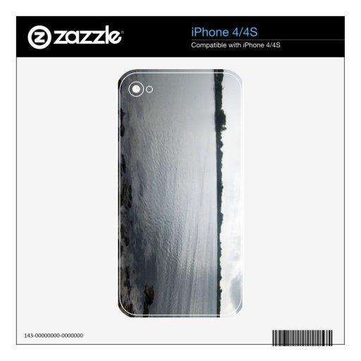 Todavía agua skin para el iPhone 4S