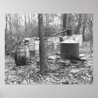 Todavía alcohol ilegal en las maderas, 1931 póster