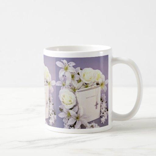 todavía de la biblia flores blancas de la vida taza básica blanca