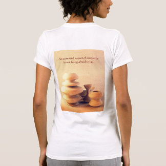 Todavía de la cerámica vida de cerámica I - luz y Camiseta