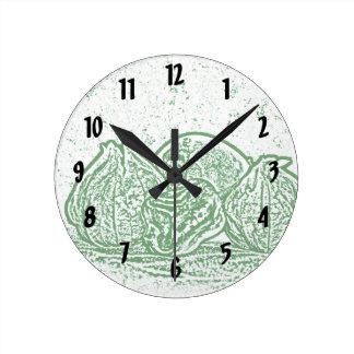 todavía de la verdura verde y blanco de la vida reloj redondo mediano