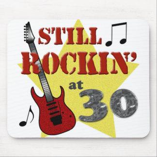 Todavía Rockin en 30 Tapetes De Ratones