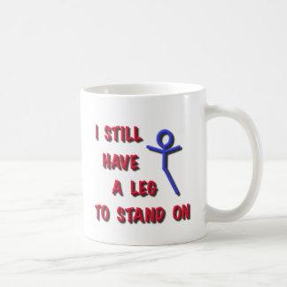 Todavía tengo una pierna a colocarse en la figura taza básica blanca