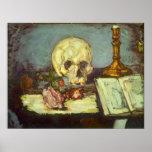 Todavía vida con el cráneo, vela, libro por posters