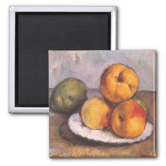 Todavía vida con el membrillo manzanas peras por imanes de nevera