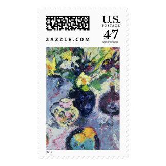 Todavía vida con la botella 2002 de la turquesa timbres postales