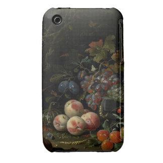 Todavía vida con la fruta, el follaje y los Case-Mate iPhone 3 cobertura