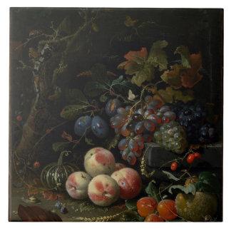 Todavía vida con la fruta, el follaje y los insect azulejo cuadrado grande