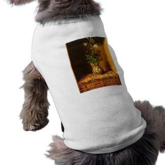 Todavía vida con las flores de Hans Memling Ropa De Perro
