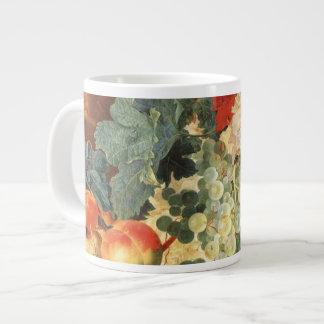 Todavía vida con las flores y la fruta taza jumbo