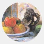 Todavía vida con las manzanas, las peras y Krug Etiquetas Redondas