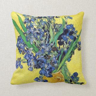 Todavía vida con los iris Vincent van Gogh Cojín Decorativo