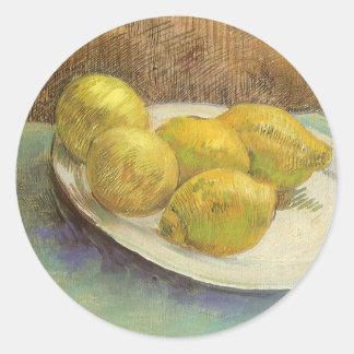 Todavía vida con los limones en la placa; Vincent Pegatina Redonda
