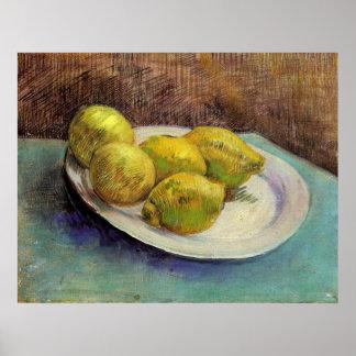 Todavía vida con los limones en una placa de Van G Póster