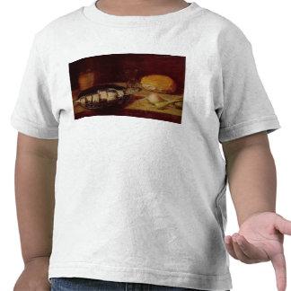 Todavía vida con un arenque camiseta