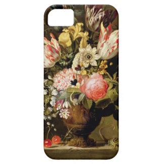 Todavía vida de flores en un florero con un iPhone 5 carcasas