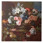 Todavía vida de flores en una cesta azulejos ceramicos