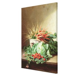 Todavía vida de fresas, de zanahorias y de la col impresion en lona