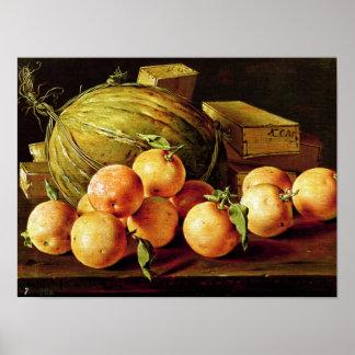 Todavía vida de naranjas, de melones y de cajas poster