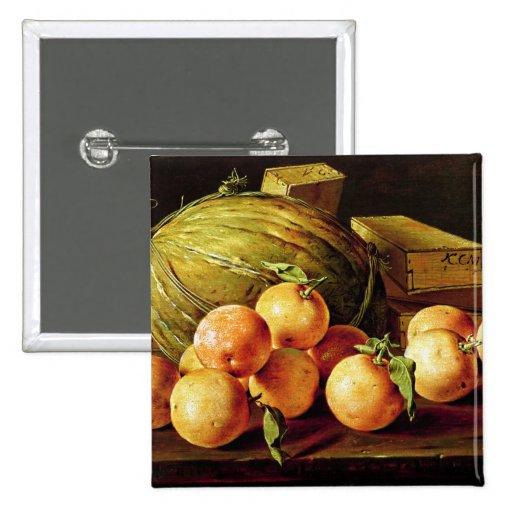 Todavía vida de naranjas, de melones y de cajas pins
