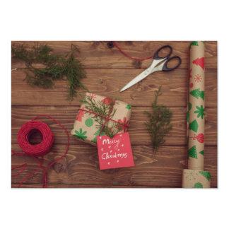"""Todavía vida de regalos de Navidad envueltos Invitación 5"""" X 7"""""""