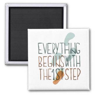 Todo comienza con el primer paso imán cuadrado