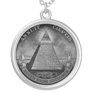 Todo el collar de Illuminati del ojo que ve
