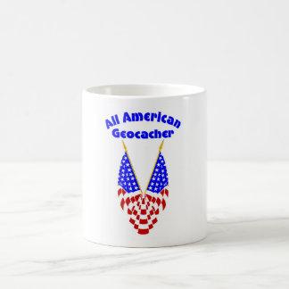Todo el Geocacher americano Taza Básica Blanca