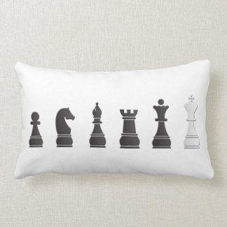 Todo el un blanco negro, pedazos de ajedrez cojín
