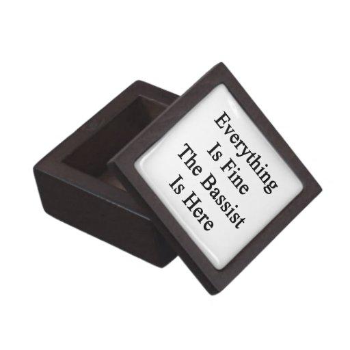 Todo es el bajista está muy bien aquí cajas de recuerdo de calidad
