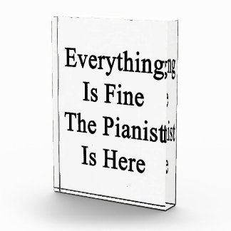 Todo es el pianista está muy bien aquí