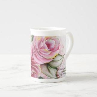 Todo es taza de los rosas que sube taza de porcelana