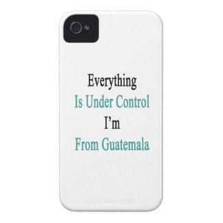 Todo está bajo control que soy de Guatemala iPhone 4 Case-Mate Protectores