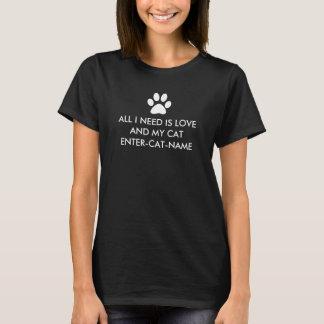 Todo lo que necesito es amor y mi gato personaliza playera